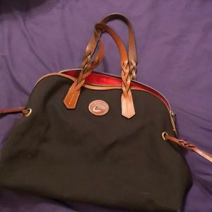 Dooney & Bourke carry bag/purse